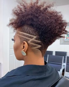 Beautiful short curly hairstyles wigs for black women lace front wigs human hair wigs african american wigs buy now Short Curly Hair, Short Hair Cuts, Curly Hair Styles, Natural Hair Styles, Mohawk Styles, Short Wigs, Haare Tattoo Designs, Braids With Shaved Sides, Tapered Natural Hair