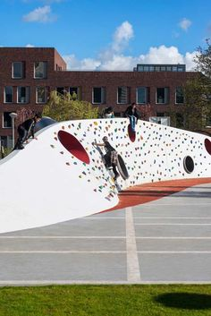 Into-the-Wild-Playground-01-JGF « Landscape Architecture Works | Landezine #LandscapingArchitecture