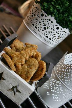 Další Vánoční recept do sbírky se vždy hodí, mandlové linecké cukroví je jedno z těch, které na svátečním stole nesmí chybět. Já osobně jej neslepuji marmeládou, ale vychutnávám takto samotné, ale…