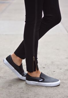 Trendy Sneakers Fashion Outfits Minimal Chic Slip On 51 Ideas Vans Sneakers, Summer Sneakers, Sneakers Mode, Slip On Sneakers, Leather Sneakers, Women's Sneakers, Sneaker Outfits, Sneakers Fashion Outfits, Minimal Chic