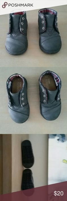 Toms Baby high tops size 6 New without box Toms Baby Boy's hightops | black | size t 6 TOMS Shoes