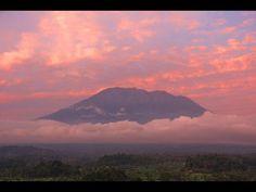 Climbing Bali's Mount Agung (In a Cyclone!) - http://bali-traveller.com/climbing-balis-mount-agung-in-a-cyclone/