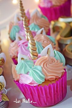 Take a look at the stunning cupcakes at this Unicorn Birthday Party! Unicorn Birthday Parties, Birthday Cupcakes, 4th Birthday, Birthday Ideas, Unicorn Foods, Unicorn Cupcakes, Almond Cakes, Savoury Cake, Cupcake Cakes