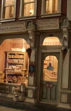 Shop Front - Door and Window - Shabby Chic Vitrine Miniature, Miniature Rooms, Miniature Houses, Dolls House Shop, Mini Doll House, Doll Houses, Magnolia Home Decor, Shop Facade, Gnome House