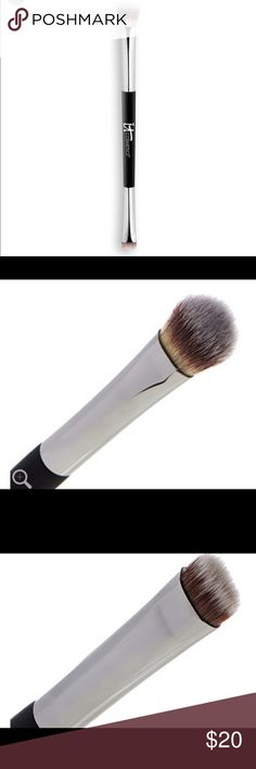IT Cosmetics Heavenly Luxe No Tug Eyeshadow Brush This is a great eyeshadow brush. I received this in a large shadow palette from IT and I use it almost every time I apply shadow. The fluffy side is great for crease work and depending on how you hold it, it can be used for blending cream shadows and also a full shadow look. The stiffer side is wonderful for smudging out liner or smoking out the lower lash line. Wonderful, vegan multi use eyeshadow brush. A must have. Enjoy 😊 Sephora Makeup…