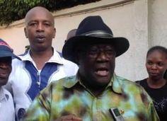 URGENT: Malick Sankhon et Alpha Condé lâchés par les contre-manifestants de la mouvance présidentielle