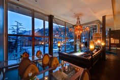 Backstage Hotel Vernissage Zermatt - Evelyne & Heinz Julen - Home