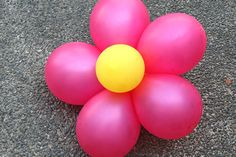 How to Create Decorative Balloon Flowers