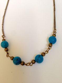 fr_collier_chaine_bronze_et_perles_bleues_