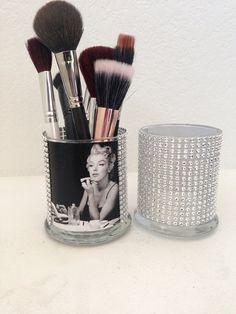 Marilyn Monroe inspired makeup brush holder (make the one on the right)