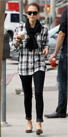 Jessica Alba - Weaing Plaid Shirt, effortless street style!