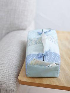 ポケットつきティッシュボックスカバーには、常備薬やばんそうこうを入れておいても、いざというときに便利!/布で楽しむおうち収納雑貨(「はんど&はあと」2012年3月号)