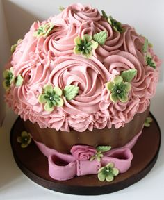 Like this design for giant cupcake - how do you do this/what tip are large pink flowers?