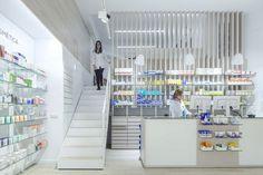 farmacia-blasco-ibanez-escaleras 3d Interior Design, Interior Design Services, Pharmacy Store, Esthetician Room, Shop Interiors, Store Signs, Furniture Manufacturers, Service Design, Architecture Design