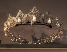 Princess Charlotte of Monaco's Pearl Drop Tiara (1949), seen at the 'Cartier: Le Style et l'Histoire' exhibition at the Grand Palais, 2013-14.
