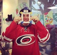 Small child or Jeff Skinner  Same thing ... Hockey Teams 69313e34e