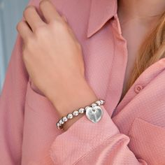 Discover the beauty of silver pearl bracelet with silver heart. #lilou #bracelet #heart #silver #pearl