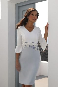 Mother of the Bride Groom - We are the destination store for gorgeous Mother of the bride groom dresses & outfits. Find stunning dresses of all sizes & colours by Linea Raffaelli, Carla Luiz & Sonia Pena. Mother Of The Bride Fashion, Mother Of The Bride Suits, Mother Of Bride Outfits, Mother Of Groom Dresses, Mothers Dresses, Mob Dresses, Bridal Dresses, Fashion Dresses, Flower Dresses