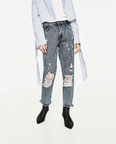 Image 2 of MOM FIT DISTRESSED JEANS from Zara