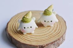 Here are the MATCHA ICE CREAMMMMMMMM BEAR Do you love matcha related food? I LOVE THEM! anyway I hope you love these matcha bear hehe4 more days till my etsy shop update #bear #matcha #icecream #kawaii #kawaiicharms #polymerclay #polymerclaycharms #charms #premo #sculpey #handmade #etsy #etsyseller #etsyfeature #claycharms #cute #cutecharms #clay #miniature #handmade