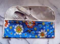 Vintage 1960s 70s Floral Silverware pouch bag from by RetroBerlin - die gute alte Bestecktasche mit dem Alu-Besteck -