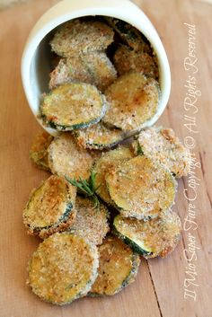 Sandy and crispy baked zucchini chips - Appetizer Recipes Yummy Appetizers, Appetizer Recipes, Snack Recipes, Cooking Recipes, Good Food, Yummy Food, Tasty, Cena Light, Vegetarian Recipes