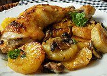 Kuřecí stehna pečená na bramborách a žampionech