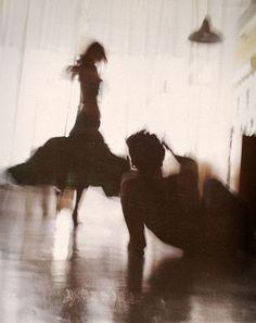 Tutto quello che è stato, le risate idiote degli innamorati, rubarsi le coperte, guardarsi attraverso le porte mentre l'altro è distratto d...