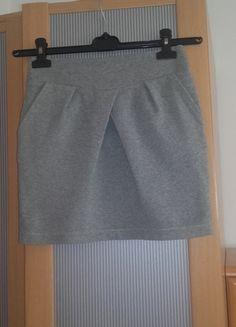 Kup mój przedmiot na #vintedpl http://www.vinted.pl/damska-odziez/spodnice/14110941-szara-spodniczka-house