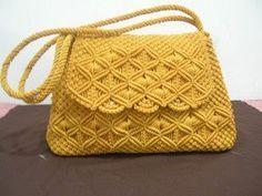 Macrame Purse, Macrame Art, Macrame Projects, Macrame Knots, Crochet Stitches Free, Easy Crafts To Sell, Crochet Bra, Baby Girl Crochet, Crochet Handbags