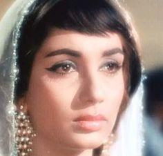 Sadhana Shivdasani : Bollywood Film Actress Pictures 7   Cine Talkies