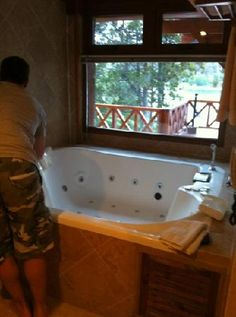 jacuzzi. this or hot tub? @Angelica Maria