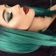 beautiful hair color with matching eye shadow with a bold lip Skin Makeup, Beauty Makeup, Hair Beauty, Makeup Style, Green Hair, Teal Hair, Mint Hair, Crazy Hair, Looks Style