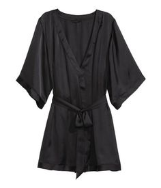 Kimono in airy satin with concealed inner tie at waist and attached tie belt.