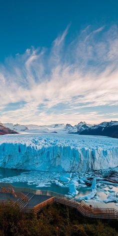 The most famous glacier in Los Glaciares National Park is the Perito Moreno Glacier. Not sure if I will ever make it to Argentina, but I would love to see a glaciers similar to this. Nature in all it's glory. Visit Argentina, Argentina Travel, South America Destinations, South America Travel, Travel Destinations, Wonderful Places, Beautiful Places, Photos Voyages, Parcs