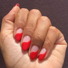 """nice A Pro Explains Why """"Wavy"""" Nail Art Will Be Fall's Biggest (and Easiest to DIY) Trend medianet_width = medianet_height = medianet_crid = medianet_versionId = (function() { var isSSL = 'https:' == d. Cute Acrylic Nails, Cute Nails, Pretty Nails, Pastel Nails, Classy Nails, Shiny Nails, My Nails, Diy Trend, Nagellack Trends"""