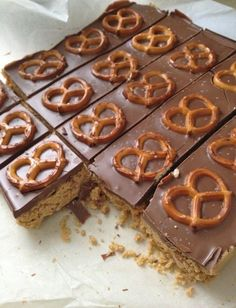 Five Minute Cream Cheese-Peanut Butter Pretzel Bars!!! Good idea for a gift-just package it up cute!