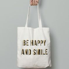 Tote bag typographie #typographie #totebag #graphicart #behappy #design #drawing #artist #rosace #motif
