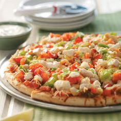 Chicken Fajita Pizza - in this recipe, Fajitas and Pizza have a merry little party, and your taste buds are the winners.  You'll love how the two flavors work together, and this will prove to be a new family favorite.