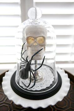 Easy Halloween Decoration | Easy Table Decoration for Halloween | eighteen25.com