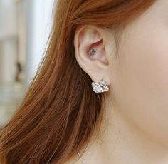Z255 / Matt Silver CZ / Swan Stud Earrings by BeadsPool on Etsy