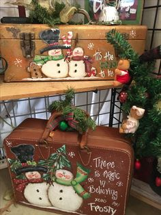 Omg, this is neat! Snowman Decorations, Snowman Crafts, Christmas Projects, Holiday Crafts, Christmas Decorations, Holiday Decor, Primitive Christmas, Christmas Snowman, Rustic Christmas