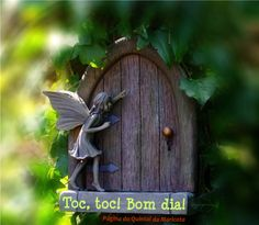 """""""Quando nasci um anjo esbelto,/desses que tocam trombeta, anunciou:/vai carregar bandeira... [""""Com licença poética"""", Adélia Prado]  Leia o restante em www.facebook.com/paginadoquintaldamaricota"""