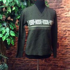 AEROPOSTALE WOOL SWEATER Dark green wool sweater in gently used condition Aeropostale Sweaters