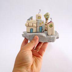 Keramik-Kunst-Skulptur städtischen Dekor handgefertigte von ednapio