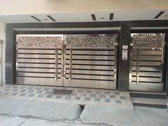 Modern Steel Gate Design, Modern Main Gate Designs, House Main Gates Design, Iron Gate Design, Door Design, Modern Design, Small Room Decor, Door Gate, Entrance Gates