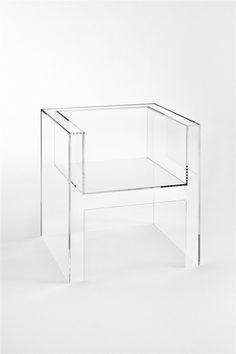 normally not a fan of acrylic furniture but I love this chair Design Furniture, Cool Furniture, Modern Furniture, Glass Furniture, Victorian Furniture, Primitive Furniture, Modular Furniture, Furniture Showroom, Furniture Logo