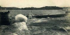La digue qui marque l'entrée du port de Saint-Malo porte un nom bien mystérieux : Le Môle des Noires.