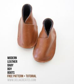 DIY Shoes : DIY Leather Baby Boy Boots Takes a while to get to the tutorial but it is there - Baby Boy Shoes - Ideas of Baby Boy Shoes Baby Moccasin Pattern, Baby Shoes Pattern, Shoe Pattern, Moccasins Pattern, Crea Cuir, Baby Shoes Tutorial, Leather Baby Shoes, Suede Shoes, Leather Boots
