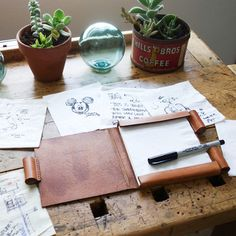 """If you are a """"creative"""" kind, you probably have had an experience of looking for some place to jot down your new idea that sparked in the middle of nowhere! When that happens, a stack of paper napkins"""